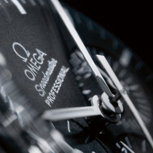 omega-speedmaster-moonwatch-professional-chronograph-42-mm-31133423001001-gallery-3-large