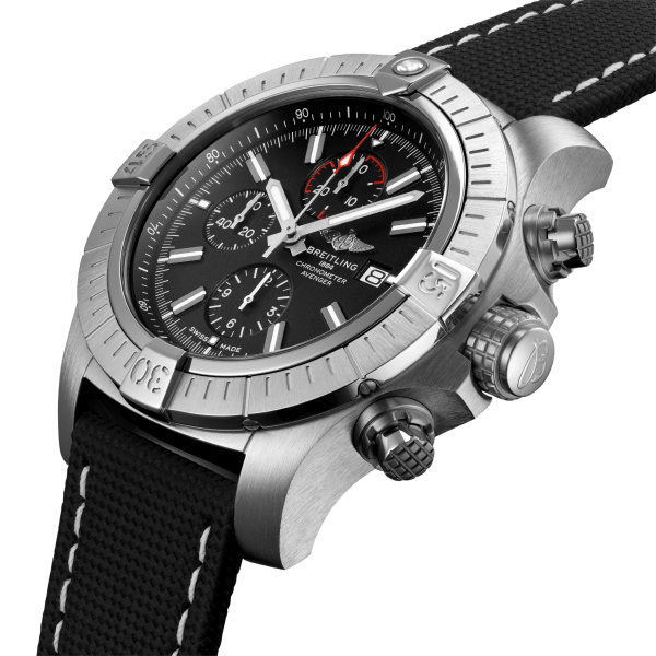 a13375101b1x2-super-avenger-chronograph-48-three-quarter