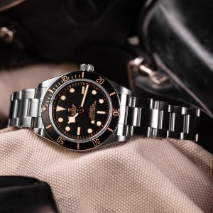 tudor-black-bay-fifty-eight-7-min
