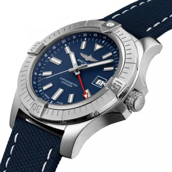 Breitling Avenger GMT 45_02-min