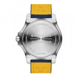 Breitling Avenger GMT 45_04-min