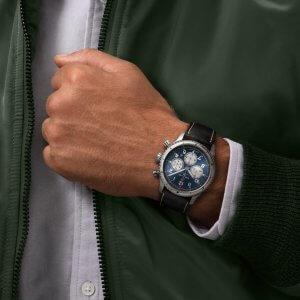 Breitling Aviator 8 B01 Chronograph 43 - modre - 04-min