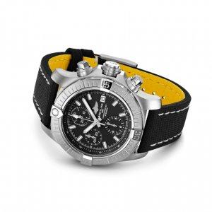 a13385101b1x1-avenger-chronograph-43-soldier3-min