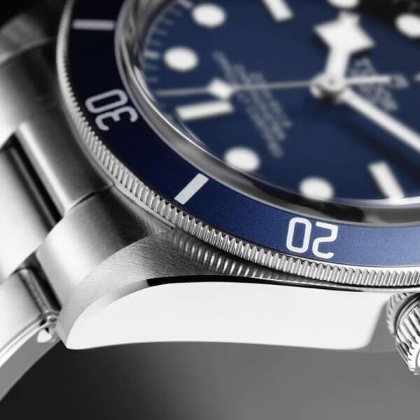 tudor-black-bay-58-blue5-min