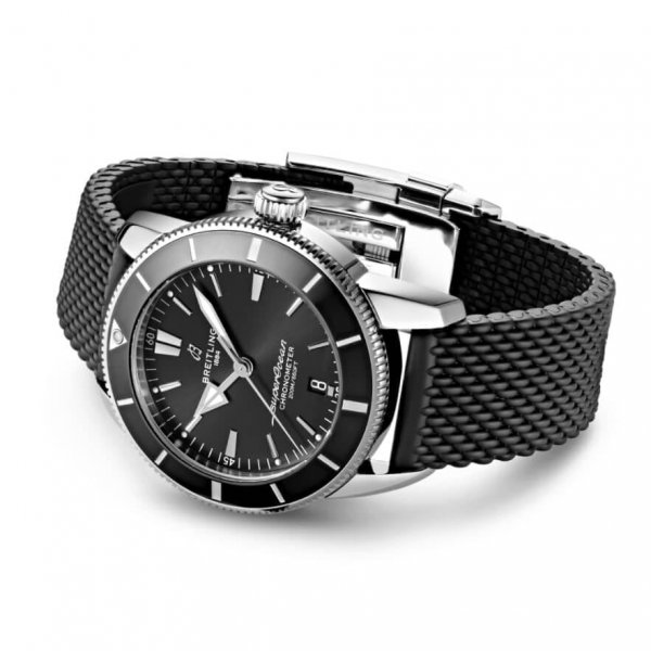 Breitling Superocean Heritage B20 Automatic 44 03-min